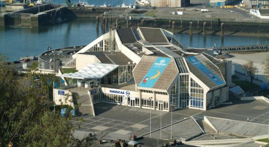 Le magnifique batiment du Centre National de la Mer de Boulogne-sur-Mer, Nausicaá, offre 5 000 m2 d'exposition et quelques 4,5 millions de litres d'eau de mer naturelle, accueillant près de 35 000 animaux. Photo : Yvette Tavernier – NAUSICAA